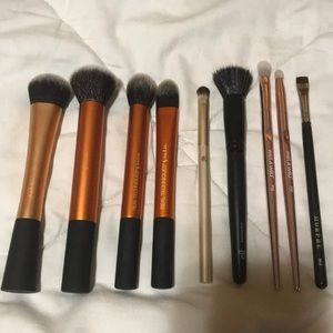 Other - Bundle of 9 Makeup Brushes (face & eye)